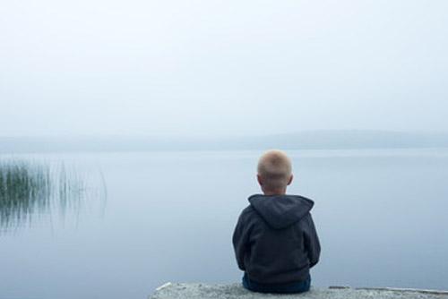 autistic_kid-lake