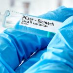 Los CDC reconocieron que hay casi 400 informes de niños de entre 12 y 17 años que experimentaron inflamación del corazón después de recibir la vacuna de Pfizer/BioNTech.
