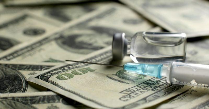 Selon M. Gates, les vaccins génèrent des profits phénoménaux, avec un rendement supérieur à 20/1.