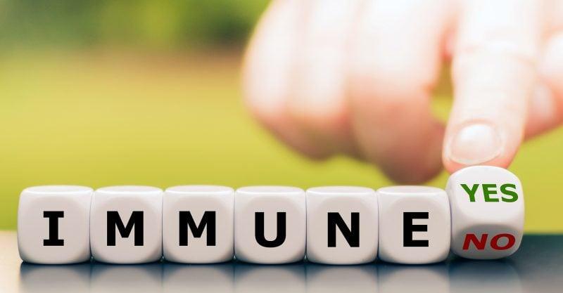 Cada vez son más las publicaciones que demuestran que la inmunidad natural proporciona una mejor protección que la inducida por las vacunas.