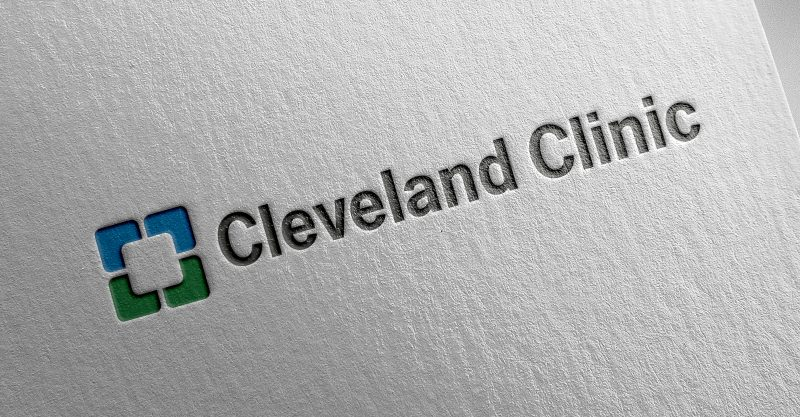 The Cleveland Clinic recently studied the effectiveness of COVID vaccination among people with a history of previous SARS-CoV-2 infection and those without.