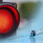 Les médecins pour l'éthique du COVID ont lancé des avertissements urgents sur les risques des vaccins COVID, en particulier pour les enfants.
