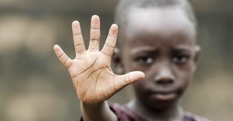 Afrika: Umweltinstitut fordert Bill Gates auf, die Finanzierung von Technologien der grünen Revolution und von gentechnischen Saatgut für den Kontinent einzustellen