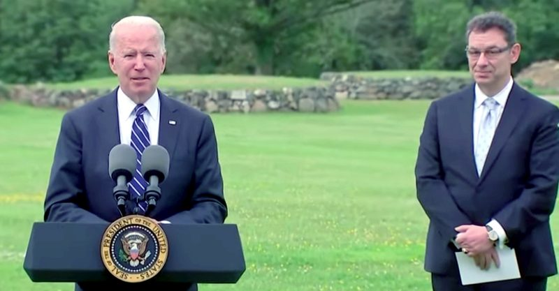 """Hours after President Joe Biden called Pfizer CEO Albert Bourla a """"good friend,"""" Politico revealed that the pharmaceutical executive has been urging his employees to fight Democrats' plan to let Medicare directly negotiate prescription drug prices."""