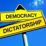 Se centinaia di migliaia di persone in una democrazia protestano, bisogna ascoltarle, ha detto Russell Brand.
