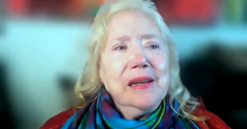 Actress Sally Kirkland: 'Like I know my own name, I would advise you not to do the vaccine.'