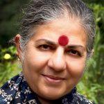 La doctora Vandana Shiva es una física y activista que trabaja incansablemente para defender el medio ambiente y proteger la biodiversidad.
