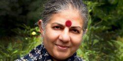 Vandana Shiva, Ph.D., ist eine Physikerin und Aktivistin, die sich unermüdlich für die Umwelt und den Schutz der Artenvielfalt einsetzt.